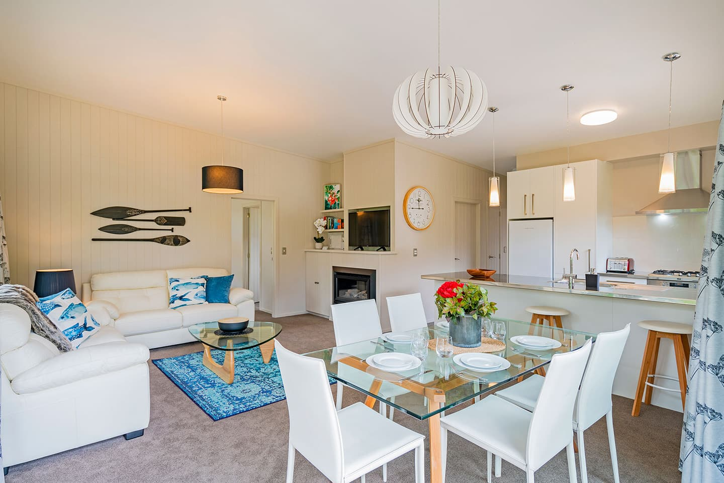 Flaxmill Bay Holiday House open plan living