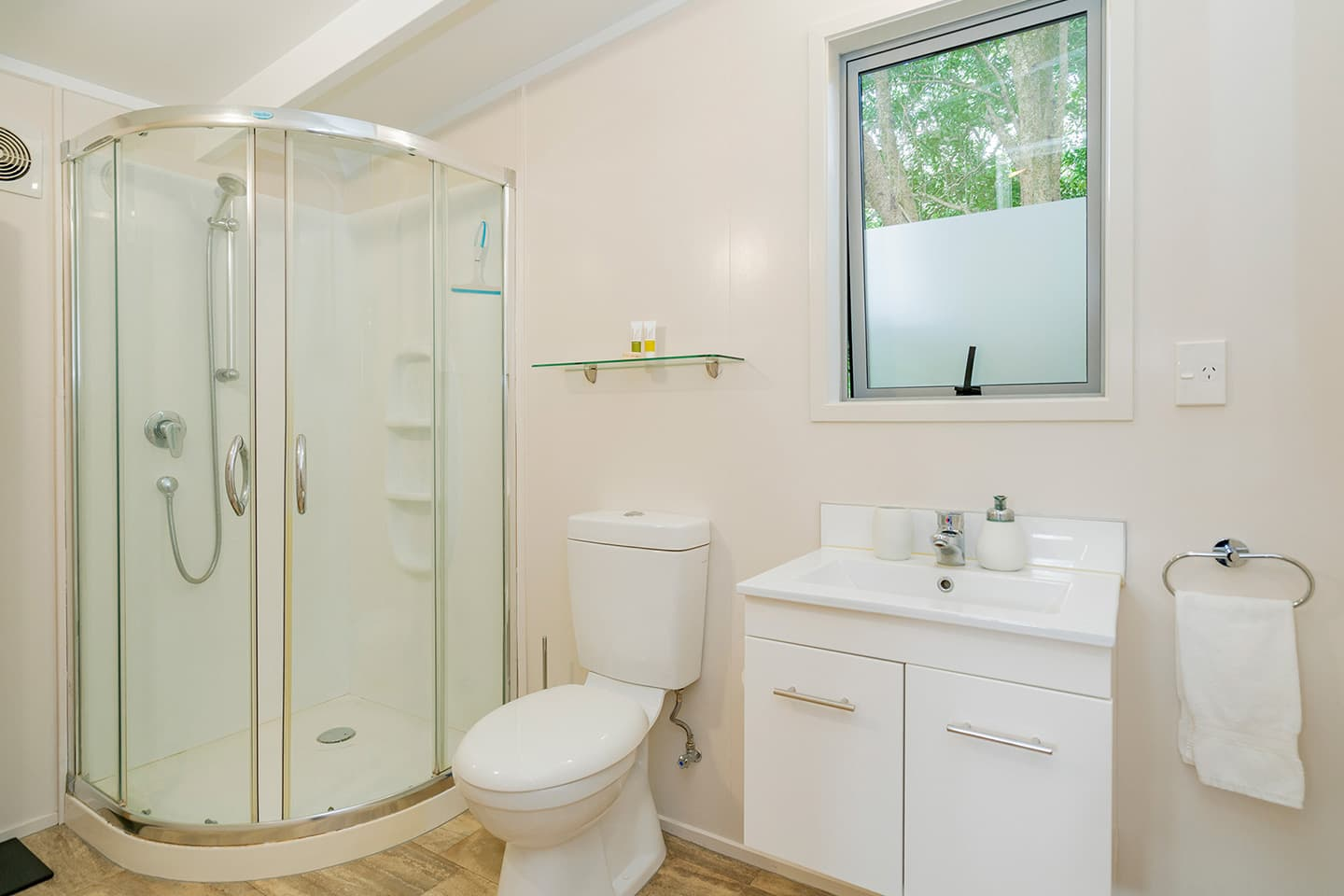 Flaxmill Cottage Bathroom